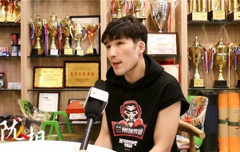 中国拳王炮轰行业乱象:某协会让专业拳手打业余爱好者,为了赚钱