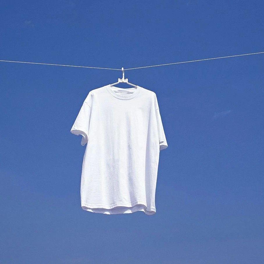 「白小T」获数千万元A轮融资,从抖音成长起来的「基本款」男装品牌|36氪首发