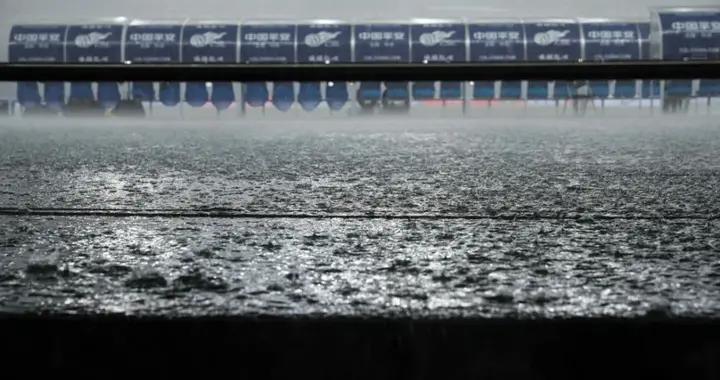 中国足球小窗口时代:外援真冷清,内援假热闹