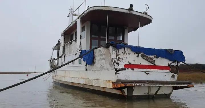 英国夫妻网购曾参与诺曼底登陆的废弃战舰,计划花巨款复原