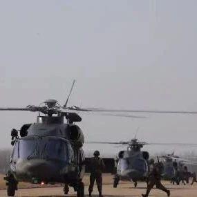 视频:我军空突旅直20编队集结升空 武装直升机护航
