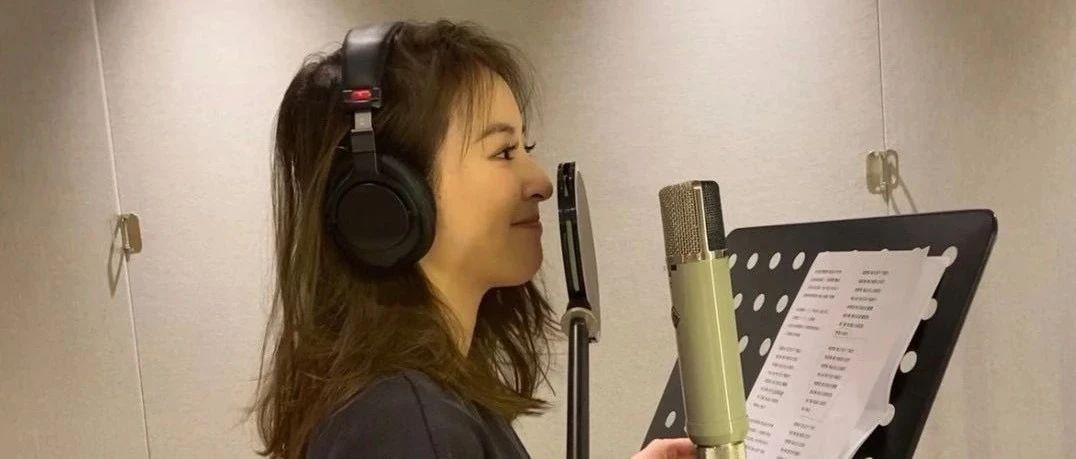 """""""音乐小仙女""""刘雪婧翻唱《他和她的故事》 用独特方式诠释经典情歌"""