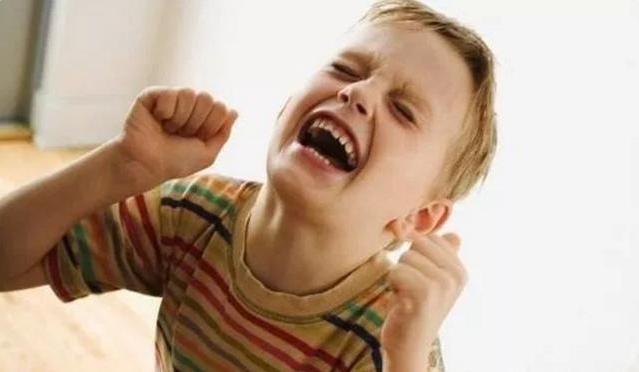 新手爸妈掌握这3点,帮助孩子管控情绪