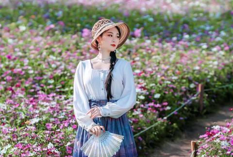 《春》诗十一首:万紫千红九州美,山青水秀百花鲜