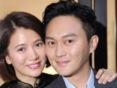 张智霖袁咏仪出席家庭聚会,拥吻高颜值外甥女,举止亲昵惹人羡