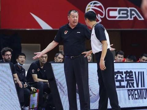 CBA球队技犯榜:青岛登顶广州最少,杜锋主帅第一,三将领跑球员