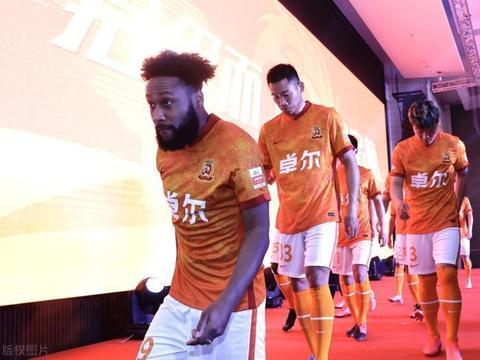 武汉队锋线又来新人了,曾在中甲表现可圈可点,11场比赛进9球