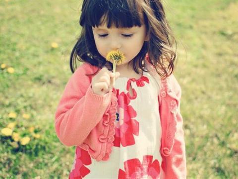 属牛的女宝宝取名起名字:带有单人旁吉利的女孩名字