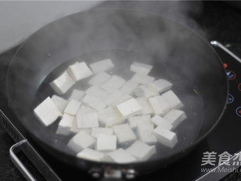 """豆腐是我比较喜欢的一种食材,素有""""植物肉""""的美称。"""