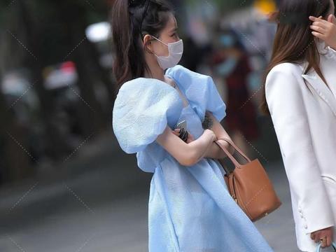 方领公主袖连衣裙,浅蓝色清新可爱,散发淑女气质