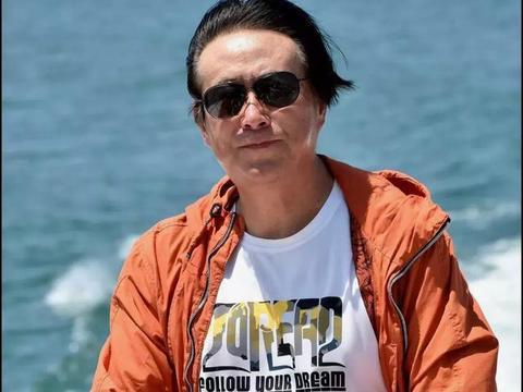 著名摄影家丁幼华摄影作品集《天鹅之舞》出版