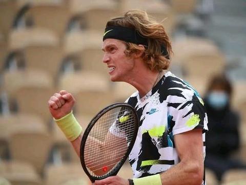 ATP蒙特卡洛大师赛卢布列夫晋级16强,弗格尼尼继续卫冕之旅