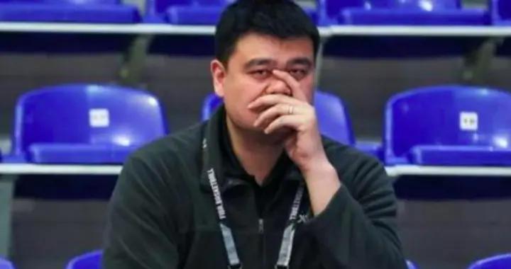 CBA又闹笑话:奇葩操作惊现职业赛场,土豪球队一次性被扣14分