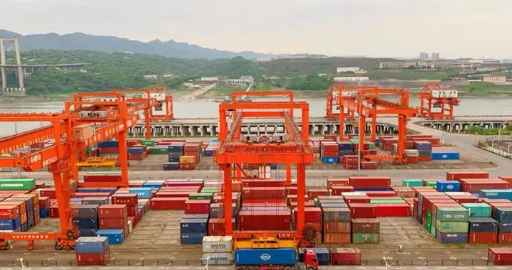 """货物吞吐量 469.1万吨 两江新区果园港国家物流枢纽一季度迎""""开门红"""""""