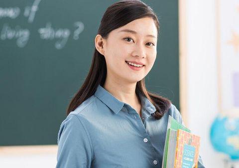 """学校里女老师一抓一大把,男老师却很少见到,真有""""性别歧视""""?"""