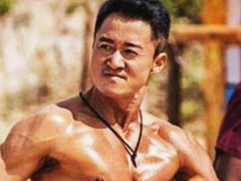 吴京和彭于晏的好身材让人羡慕,但自律,从来都不是一件容易的事