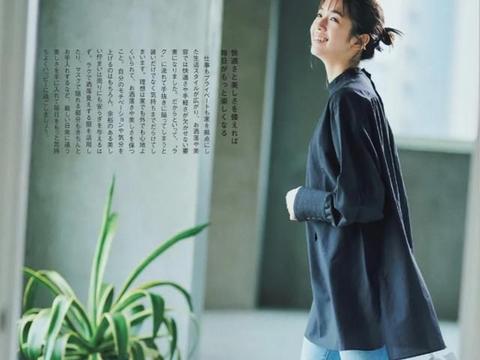 日本女生的春季休闲风穿搭,注重穿搭的舒适感,也能穿得养眼精致
