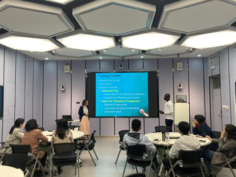 郑州电力高等专科学校第二期教师国际化教学能力提升班开班