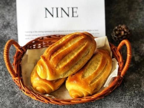 做法简单的牛奶哈斯面包,烘焙新手也可以尝试,松软好吃