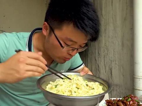 大sao做红油鸡杂解馋,配二荆条炒饭一起吃太带劲了