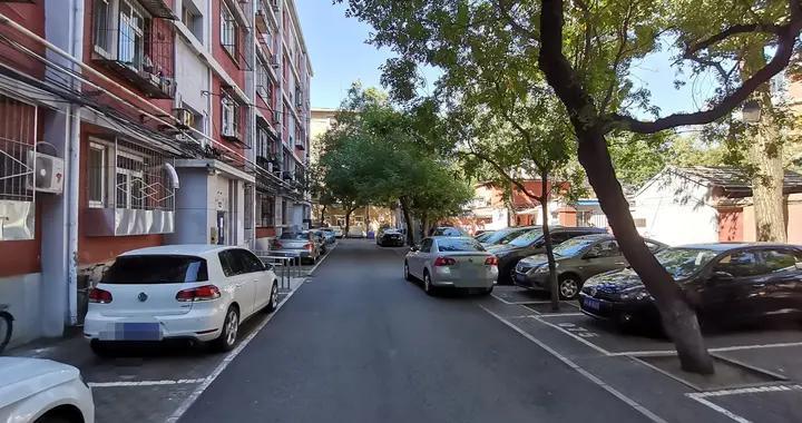 海淀:停车场提供错时共享停车位可享每月150元补贴