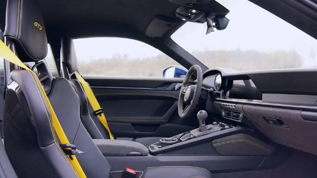 视频:2022全新保时捷992 GT3 不可思议的声浪 经典的内饰外观
