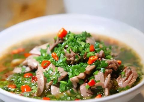 美食推荐:鲜捞牛杂、藤椒腰花、扣碗鸡制作方法