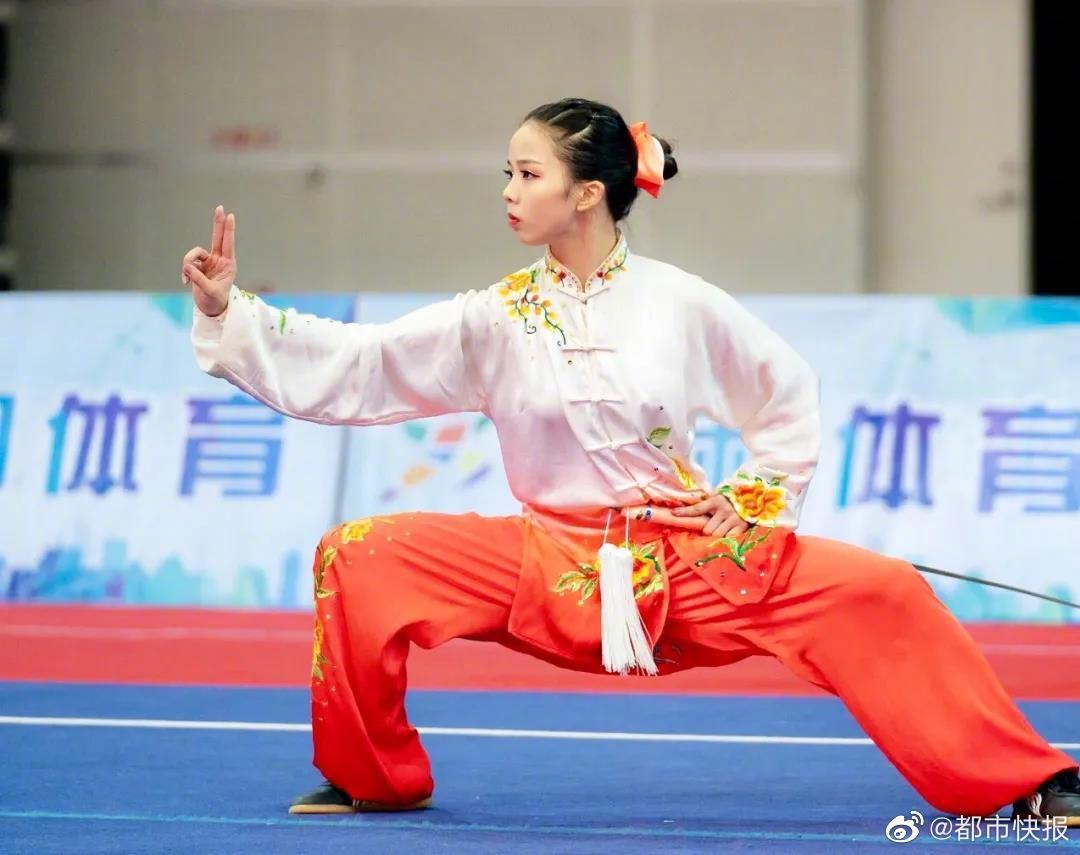 昨天,在青岛举办的第31届世界大学生夏季运动会(武术项目)选拔……
