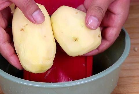 教你刨土豆丝的小技巧,简单又实用,安全又快速,快来试试吧