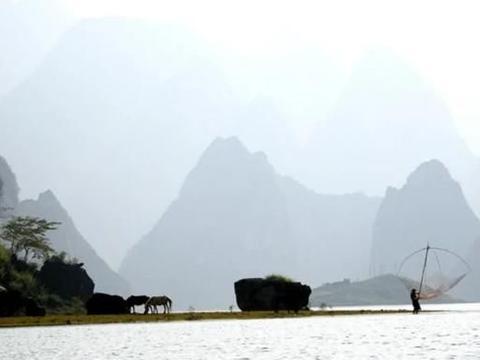 """广西一高山平湖火了,紧邻凌云公路,被赞粤西""""小滇池、小洱海"""""""