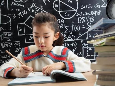 """想要教育好孩子,父母得懂""""权衡利弊"""",用海豚式教育方式来帮忙"""