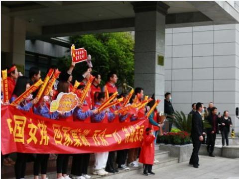 中国女排现身北仑,进行第三期集训,出现了新面孔,人员有变动?