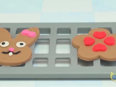 面包超人饼干制作机和咖啡机玩具