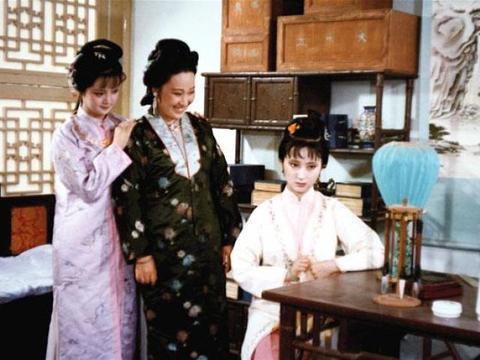 《红楼梦》里,黛玉羡慕薛宝钗有个好母亲?