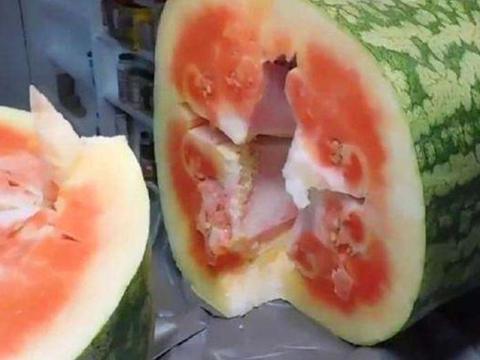 男子花5000买了一个大西瓜,足足重150公斤,切开后哭了