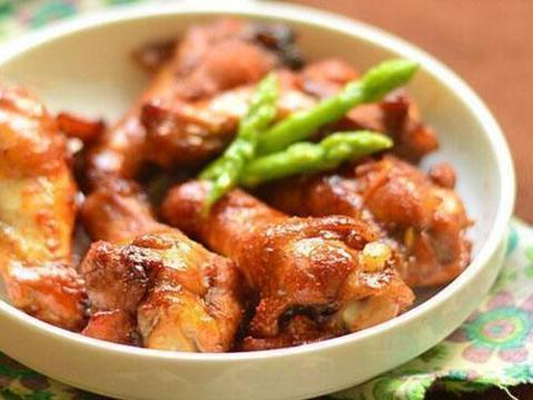 美食推荐:辣炒大肠,香辣鸡翅根,炒花蛤,凉拌粉丝