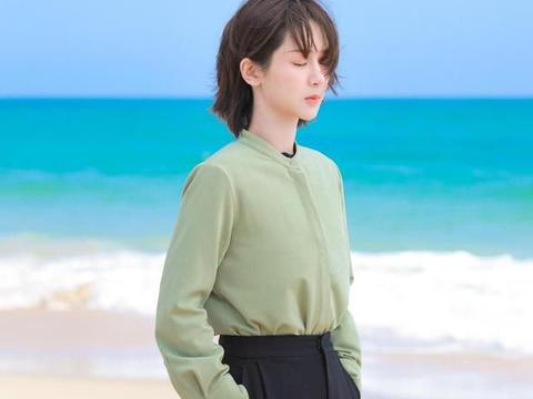 杨紫被叫老婆反应可爱,长发造型大获好评,只是身材变化令人迷惑