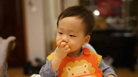 你是一个吃饭会细嚼慢咽的人么?