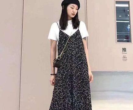 春夏季衣橱怎么能少了碎花裙?搭配起来少女感十足,值得拥有