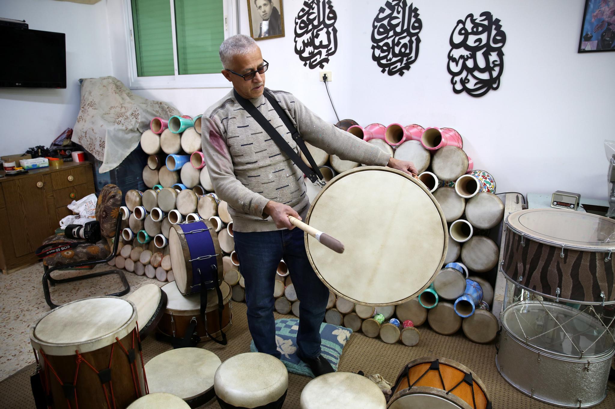 约旦河西岸的制鼓人