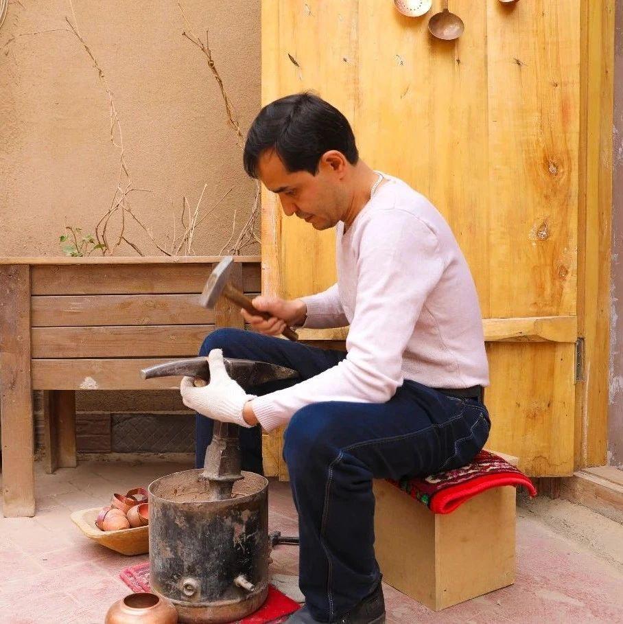 喀什第六代铜器手艺人:传承是责任