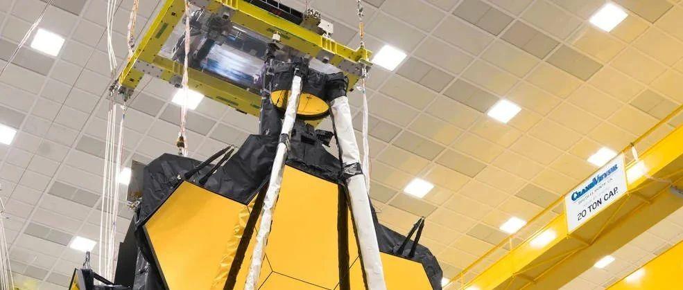 NASA韦伯望远镜遮光罩打包完毕,将在年底开始百万英里的旅程