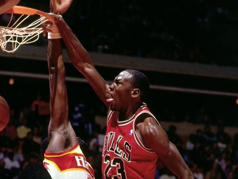 1987年的今天乔丹单场拿到61分,并连续三场得到50+