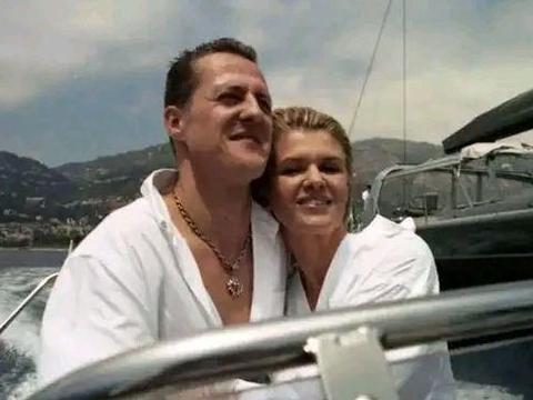 舒马赫妻子又卖房了,为保车王活命竟花掉20亿,他还剩多少财富?