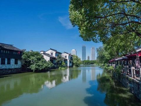 """江苏这座""""百年古镇"""",位于湿地公园中,门票免费风景如画"""