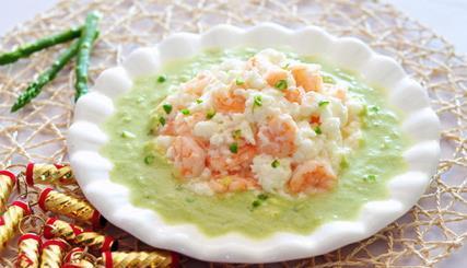 一道荤素搭配、中西合璧的菜——碧波芙蓉虾