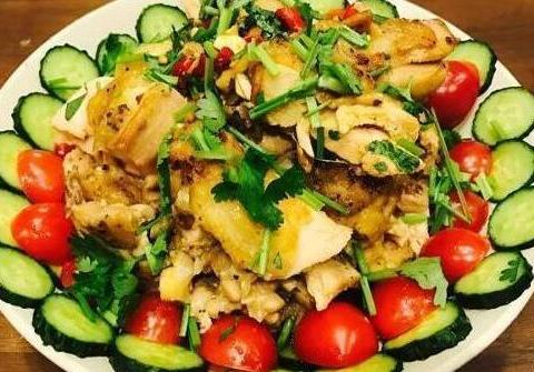 精选美食:泰式椒麻鸡,尖椒老豆腐,肉片土豆丝,牛肉粉丝煲做法