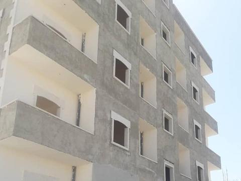 叙利亚重建:大城市阿勒颇建住宅区,大楼平地而起,工人师傅很忙