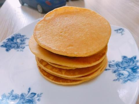 1碗玉米粉,1碗面粉,2个鸡蛋,10分钟做好粗粮松饼,太省事了