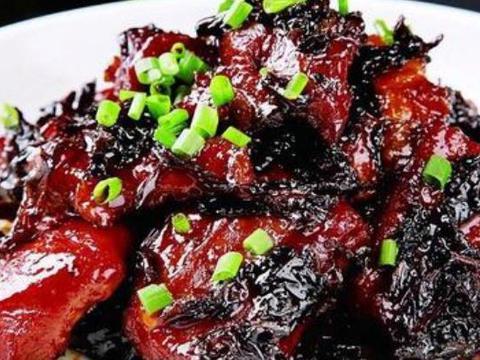 橄榄菜搭配猪腿肉,解馋又营养的家常美味,老少皆宜的美食